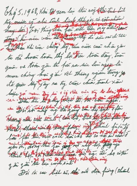 """Hồ Chí Minh bắt đầu viết bản di chúc vào lúc 9 giờ sáng ngày 10 tháng 5 năm 1965, và hoàn tất vào ngày 10 tháng 5 năm 1969, với nội dung gồm 692 chữ, gói ghém vào 3 trang giấy """"tuyệt đối bí mật"""", ông đã miệt mài viết ròng rã đúng 5 năm trường. Nguồn: Viện bảo tàng Hồ Chí Minh Hà Nội."""