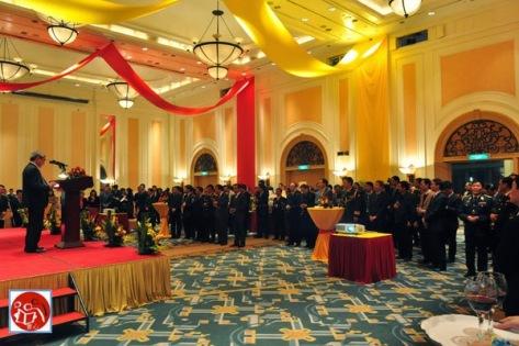 Những cựu học sinh Lư Sơn tụ hội về trường Dục Tài tham dự hội nghị chuyển giao quyền lực, và phát huy cuộc chạy đua vào BCT/BCH TƯ Việt Cộng.Nguồn: Tài liệu Huỳnh Tâm.