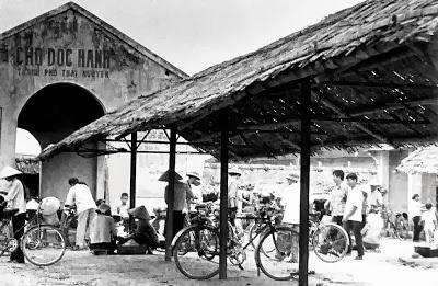 Chợ huyện Dọc Hanh. Ảnh: Huỳnh Tâm.
