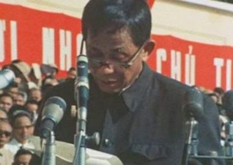 Lê Duẩn đọc lời hiệu triệu trước toàn dân, toàn đảng, quyết tâm chống bành trướng Bắc Kinh. Nguồn: Tân Hoa Xã.