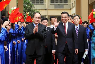 Một Hoa Nam, Nguyễn Thiện Nhân, được Trung Cộng bình chọn ngồi vào ghế Thủ tướng Việt Nam trong tương lai.