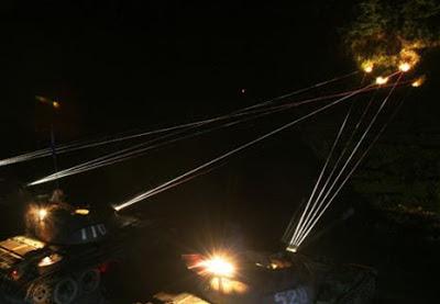 Ngày 07 tháng 6 năm 1987, quân đội CS Trung Quốc sử dụng vũ khí Ground-Based Laser Guns tại chiến trường Lão Sơn Lào Cai Việt Nam.Nguồn: Hoa Nam.