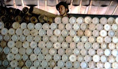 Kho đạn Pháo binh của Trung Quốc tại vùng núi Lão Sơn, ngày 28 tháng 11 năm 1987. Ảnh: NF3.86.