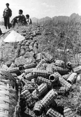 Tại đỉnh núi Lão Sơn, ký số 1580. Sau cuộc chiến ngày 15/5/1984, quân đội Việt Nam để lại trên chiến hào, biết bao vỏ đạn thay cho xác người. Ảnh: Hải Âu (海鸥DF-1, Q1).
