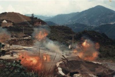 Pháo binh Việt Nam mở rộng pháo kích và vị trí phòng thủ của quân đoàn 67, tại C211. Ảnh: NF3.86.