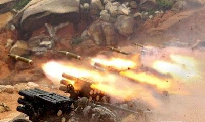 """Tại đỉnh núi 968, có đến 216 binh lính Việt Nam trở thành """"liệt sĩ"""". Quân đội Trung Quốc pháo kích về hướng trú quân của Việt Nam. Ảnh: NF3.86."""