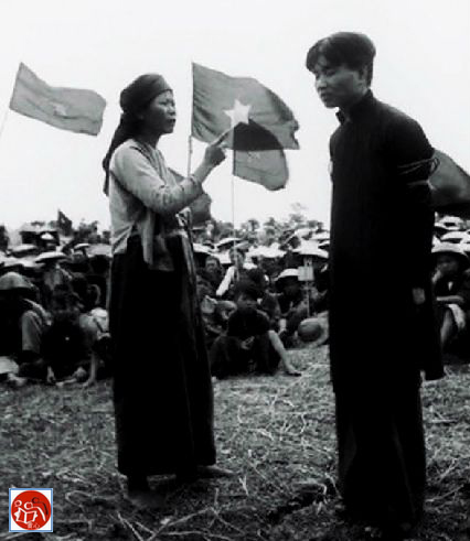 """Sức mạnh của """"Bác"""" đẩy nhân dân vào cải cách ruộng đất để rồi đấu tố lẫn nhau xây dựng một thế giới vô sản. Nguồn: tài liệu Huỳnh Tâm."""