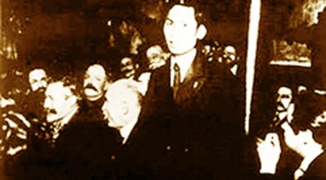 """Hồ Chí Minh: """"Đồng chí Nguyễn Ái Quốc và tôi"""""""