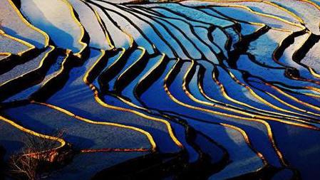 Ruộng bậc thang trên triền núi sông Hồng Hà. Nguồn ảnh: Nhất Biến