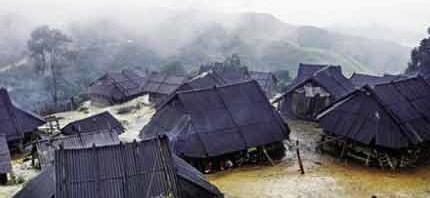 """Qua một cơn mưa """"Dòng nhà làng"""" ngập nước"""