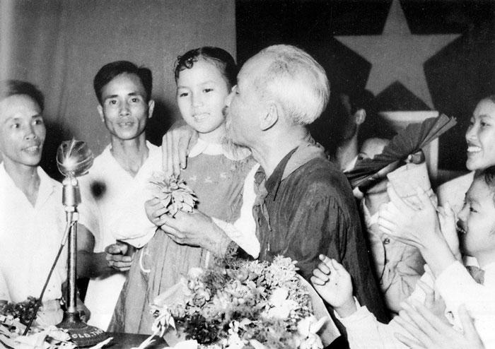 """Tôi minh oan cho Hồ Chí Minh: Không phải Hồ Chí Minh """"bịa chuyện, tố điêu, tưởng tượng…""""! mà là chuyện thật 100%! (Kỳ 1)"""