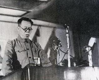 """Vào năm 1930, Lý Lập Tam (Li Lisan李立三) chủ trì """"cuộc họp liên minh chống chủ nghĩa đế quốc của Trung Cộng"""". Hồ Tập Chương được mời tham gia. Nguồn: tài liệu Huỳnh Tâm.  [4]"""