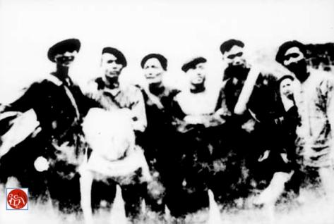 Từ trái sang phải: Năm 1940, nhóm gián điệp Trung Cộng tháp tùng Vũ Anh (HCM) xâm nhập vào Việt Nam, gồm có Nam Long (南龙), Biên Cương (边疆), A Quyến  (阿眷), Lý Nghiễm Ba (黎广波), Mạnh Hùng (孟雄), Đỗ Trình (杜程), đường trước). Nguồn: tài liệu Huỳnh Tâm. [3]